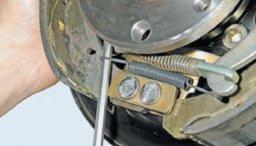 Замена задних тормозных колодок калина