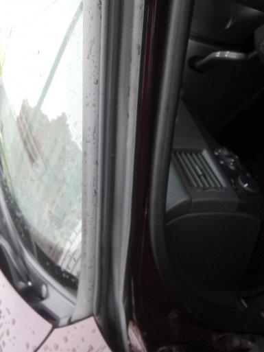 1438148234 ust1 - Уплотнитель для дверей гранта седан