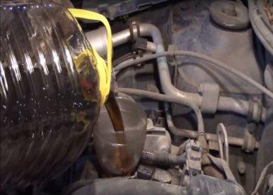 залить масло в двигатель лада ларгус