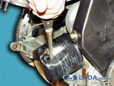 снять масляный фильтр лада ларгус отверткой