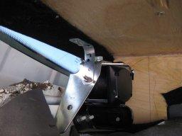 установка акустической полки на приору хэтчбек