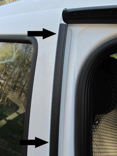 установка дополнительного уплотнителя между дверьми Лада Ларгус