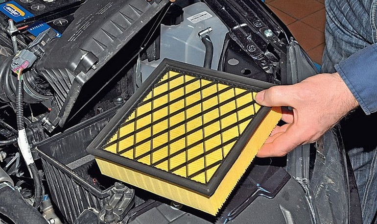 Замена воздушного фильтра двигателя на Lada Granta и Lada Kalina »  Лада.Онлайн - все самое интересное и полезное об автомобилях LADA