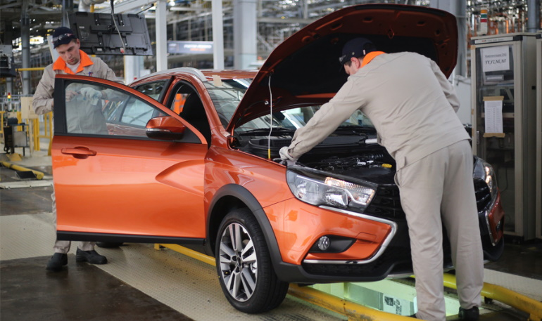 Как проверяют качество сборки Lada Vesta на заводе