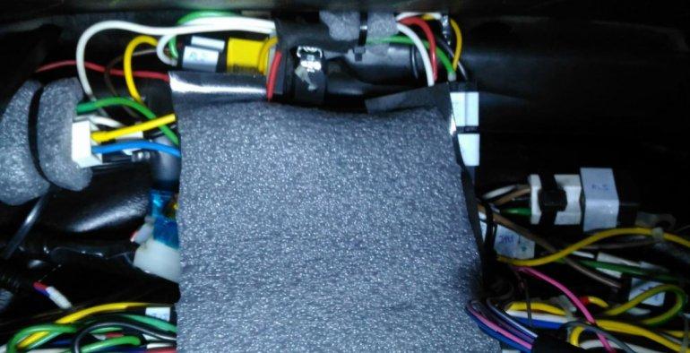 Шумоизоляция элементов схемы ЦЗ показана на фотографиях ниже:Niva Chevrolet