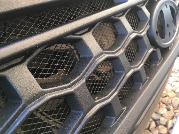 """Купить тюнинг решётку радиатора с защитной сеткой """"TITAN"""" на LADA 4x4 (защитное покрытие RAPTOR)"""